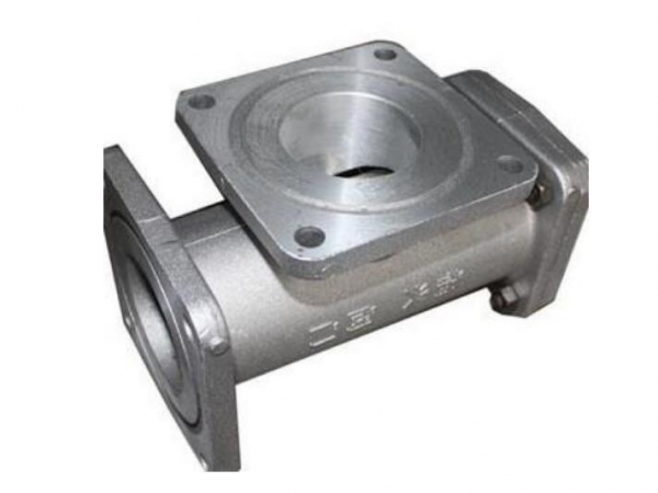 Straight through filter tennis valve